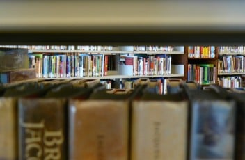 library-735074_1920